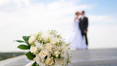 Мать жениха покончила с собой, после того как увидела его невесту
