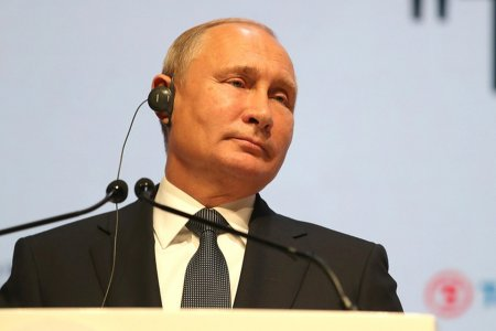 """Американцы в Сети заявили о """"сердечном приступе CNN и его друзей"""" после слов Путина о ядерном возмездии"""