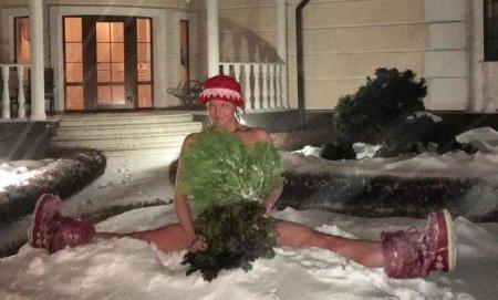 Голая Волочкова искупалась в снегу